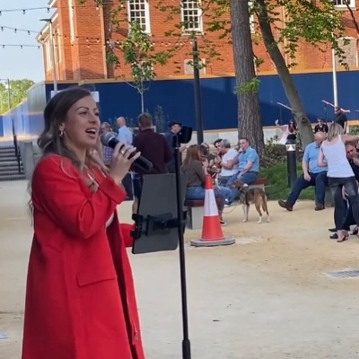 Professional singer Alice Manville is going to be performing on Saturday 24th July