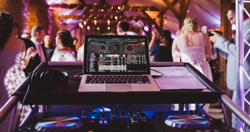 Image 1: Hampshire Event DJs